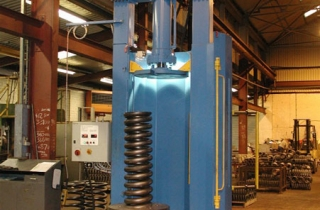100 Ton Spring Load Testing Machine
